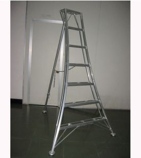 Hendon Heavy Duty Standard Tripod Ladder