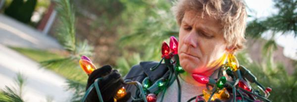 Keep Safe This Christmas – Outdoor Decorating Tips